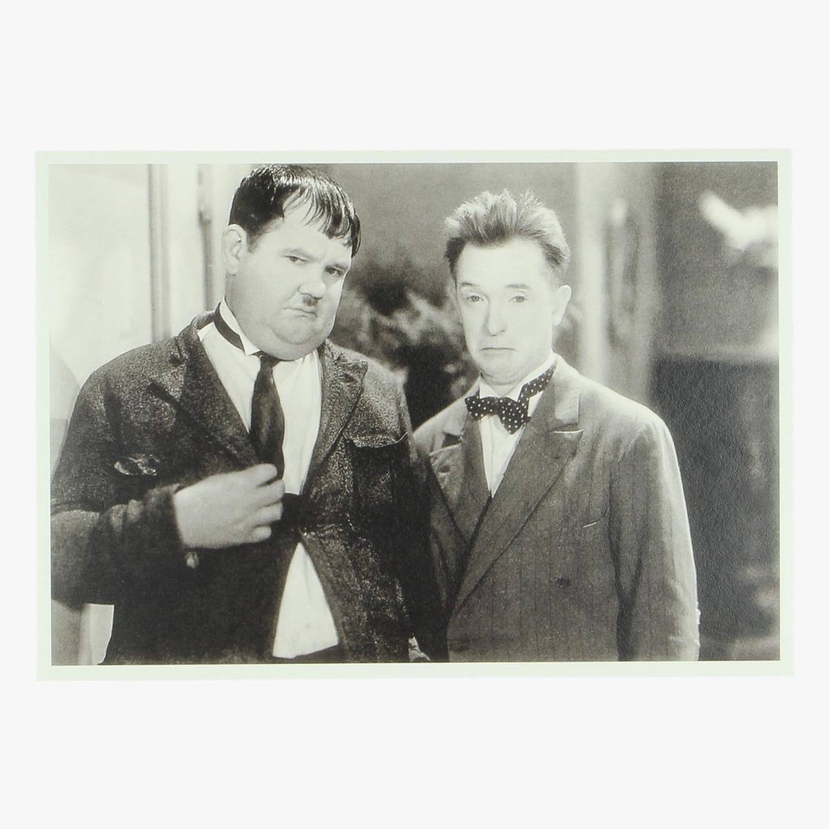 """Afbeeldingen van postkaart Olivier Hardy and Stan Laurel in ''One Good Turn"""" june 1931 repro"""