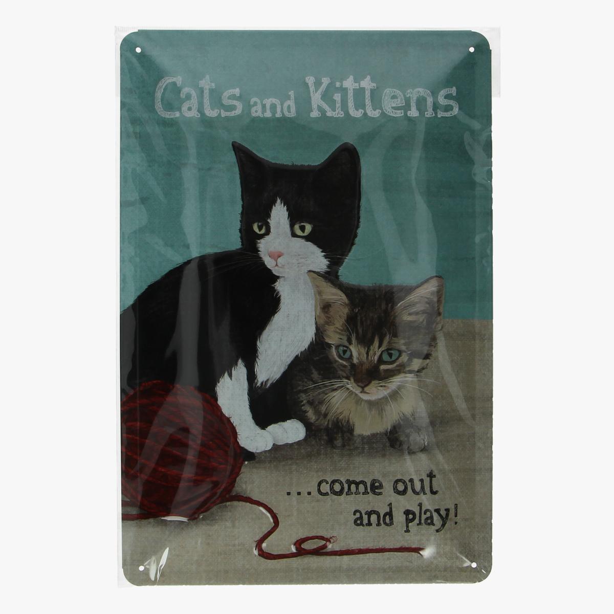 Afbeeldingen van blikken bordje Cats and Kittens geseald