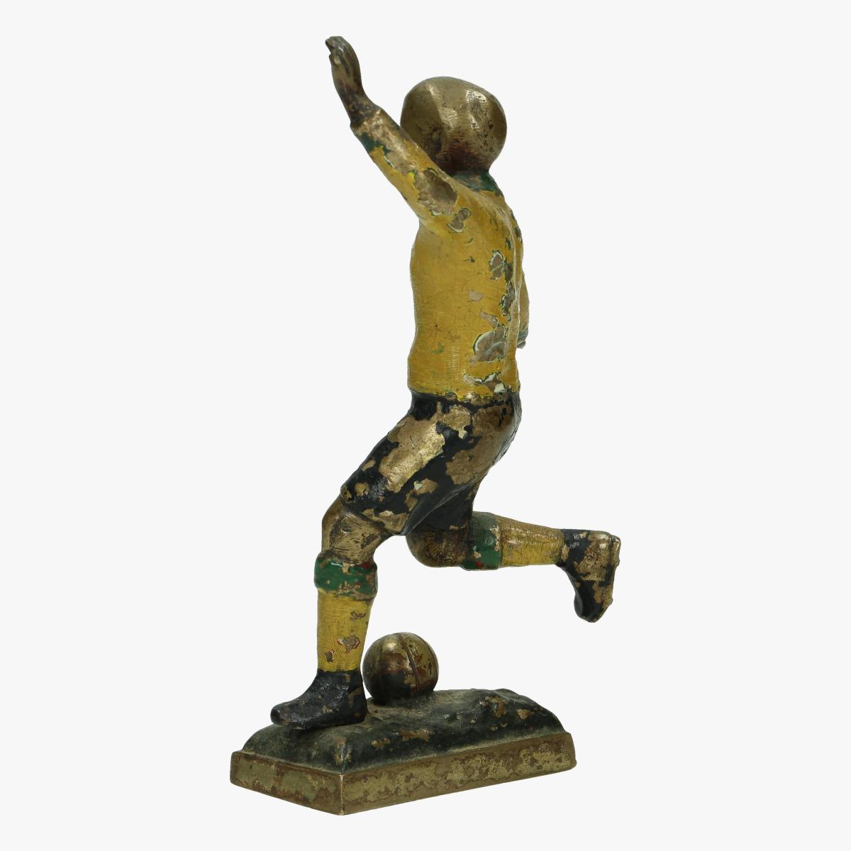 Afbeeldingen van mooie oude metalen beeldje voetballer 13.5 cm groot